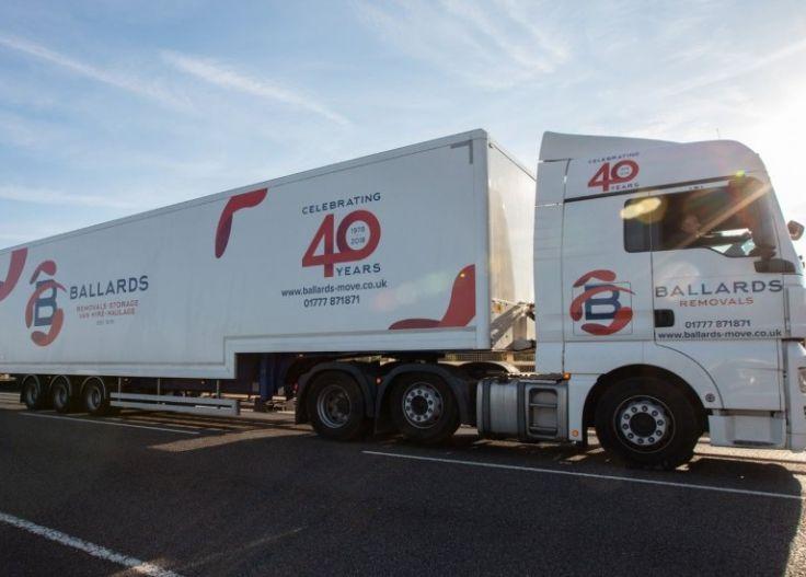 ballards-40-year-anniversary-lorry_736_527_80_s_c1